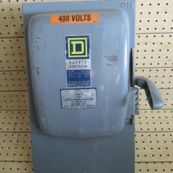 100 AMP 3 PHASE 600 VAC SQUARE D FUSIBLE SAFETY SWITCH DISCONNECT CAT# HU-363 SERIES A1