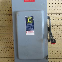 100 AMP 3 PHASE 600 VAC SQUARE D FUSIBLE SAFETY SWITCH DISCONNECT CAT# H-363 SERIES E1 2 POLE
