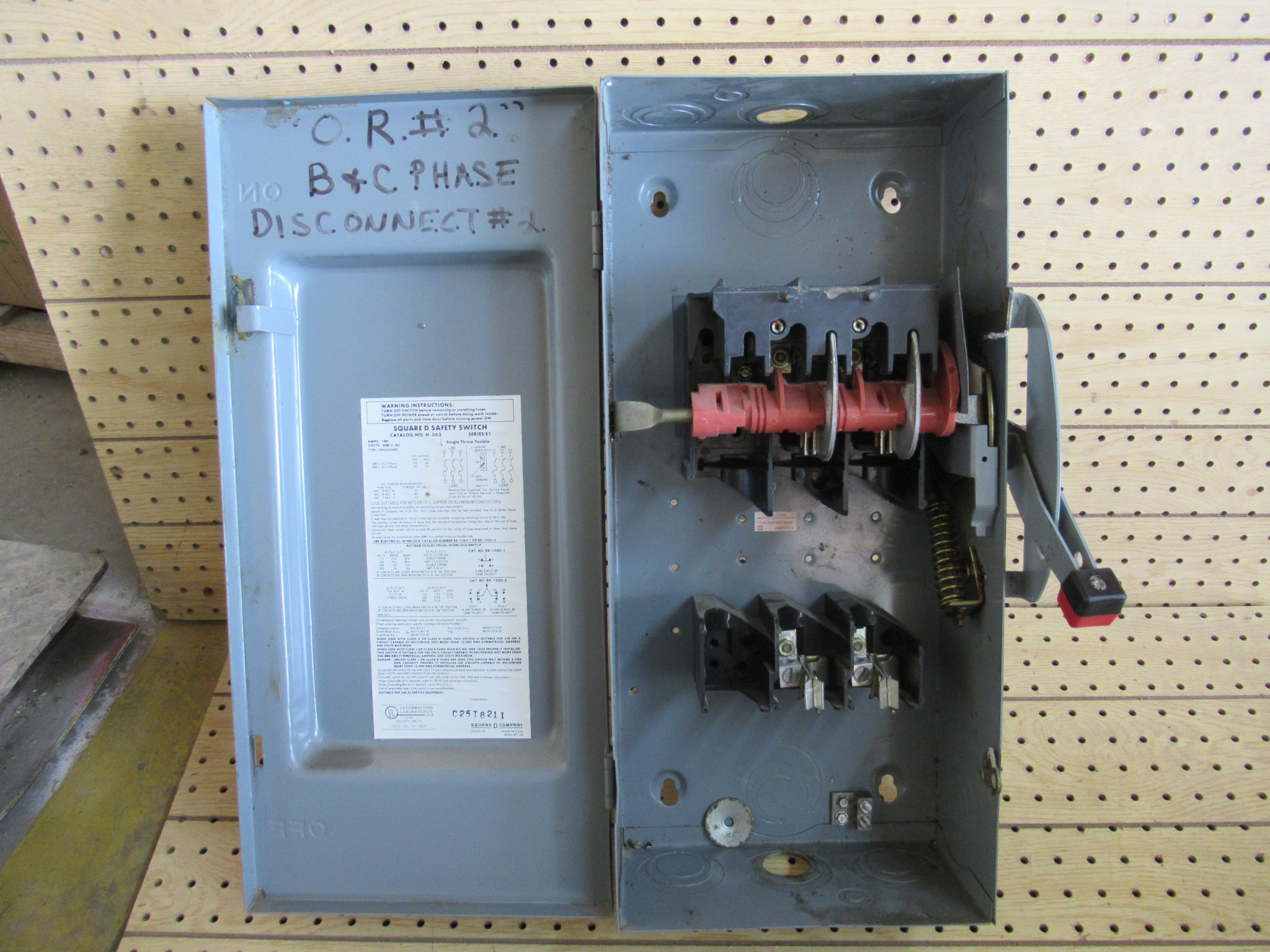 100 Amp Disconnect >> 100 Amp 3 Phase 600 Vac Square D Fusible Safety Switch Disconnect