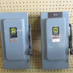(1) 60 AMP 3 PHASE 600 VAC SQUARE D NON – FUSIBLE SAFETY SWITCH DISCONNECT CAT# HU-362 SER E1