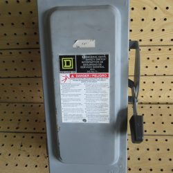 60 AMP 3 PHASE 240 VAC 3R SQUARE D FUSIBLE SAFETY SWITCH DISCONNECT CAT# D322NRB SERIES F01