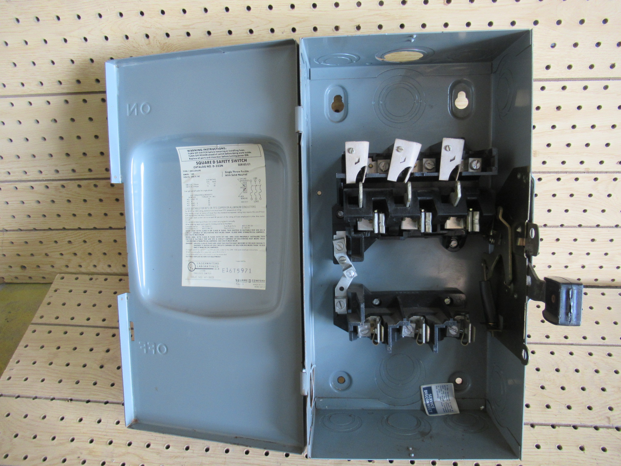 100 Amp Disconnect >> 100 Amp 3 Phase 240 Vac Square D Fusible Safety Switch Disconnect